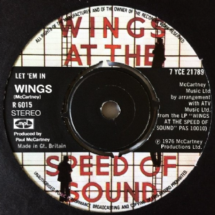 "Wings ‎- Let 'Em In (7"") (EX/G++)"